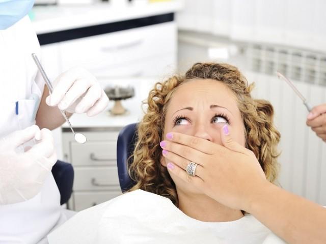 https://studicampagna.it/wp-content/uploads/2016/08/cose-da-non-fare-dal-dentista-640x480.jpg