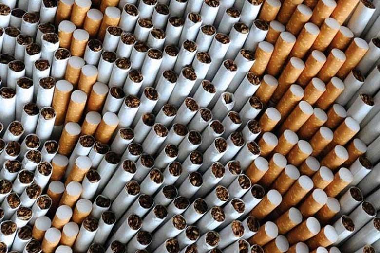 fumo-danneggia-impianti-dentali.jpg