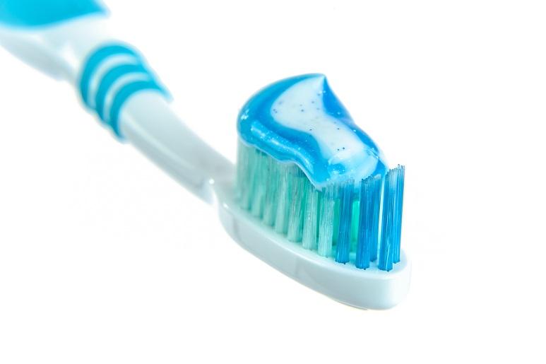lavare-i-denti.jpg